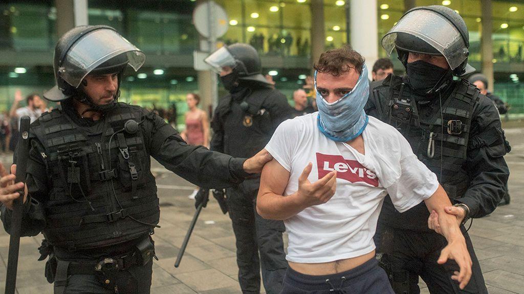 Tsunami Democràtic usa extranjeros para convocar las protestas y burlar la Justicia española