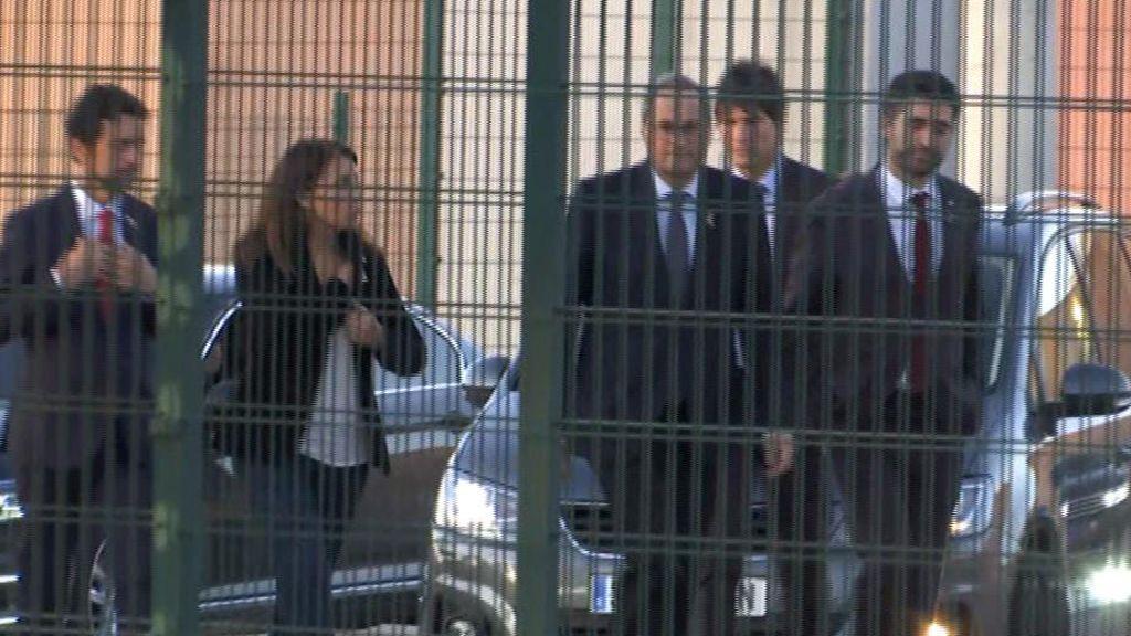 Torra y sus consejeros visitan a los presos condenados