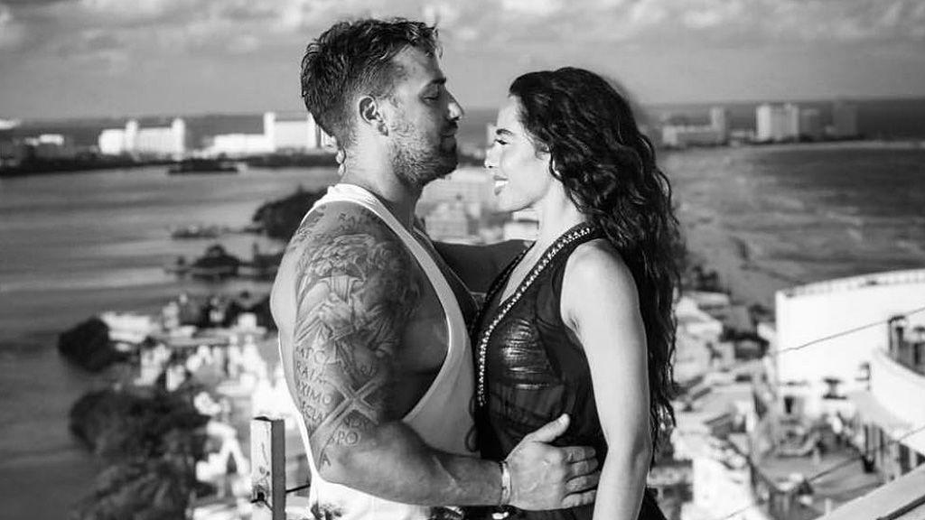 """El romántico mensaje de la novia de Rafa Mora a su """"amorcito"""": """"Estoy orgullosa, has conseguido tu sueño"""""""