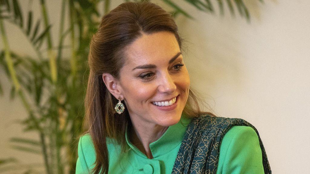 Kate Middleton y sus tres looks estilo 'hindú' en la visita oficial de los duques de Cambridge a Pakistan