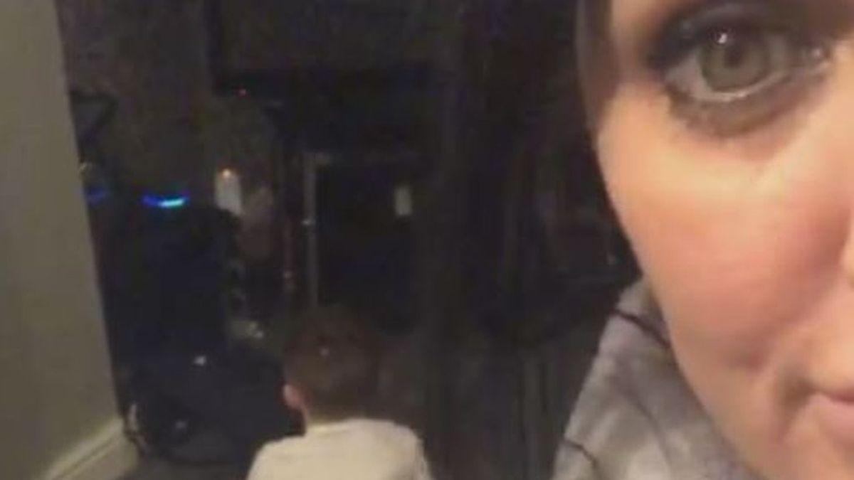 Una madre descubre a su hijo haciendo los deberes con la ayuda de Alexa