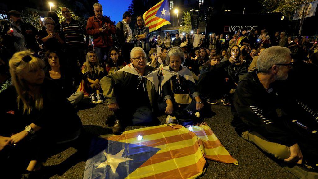 Sentada pacífica en Barcelona en rechazo a la sentencia del procés