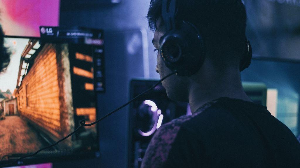 """Esteban, 26 años: """"He tenido etapas muy duras de ansiedad y los videojuegos me han ayudado"""""""