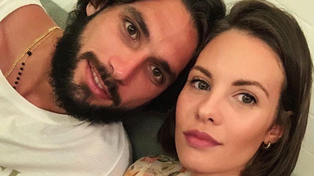 """Jessica Bueno habla del problema de salud de su marido Jota Peleteiro: """"Un año de cuidados extremos"""""""