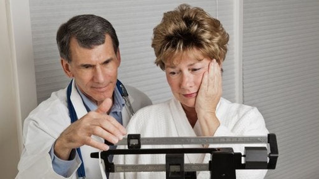 medico-mujer-menopausia-500x361