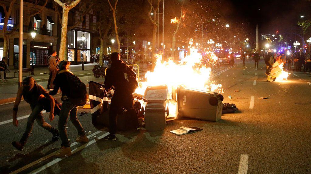 Barricadas de fuego en el Paseo de Gracia