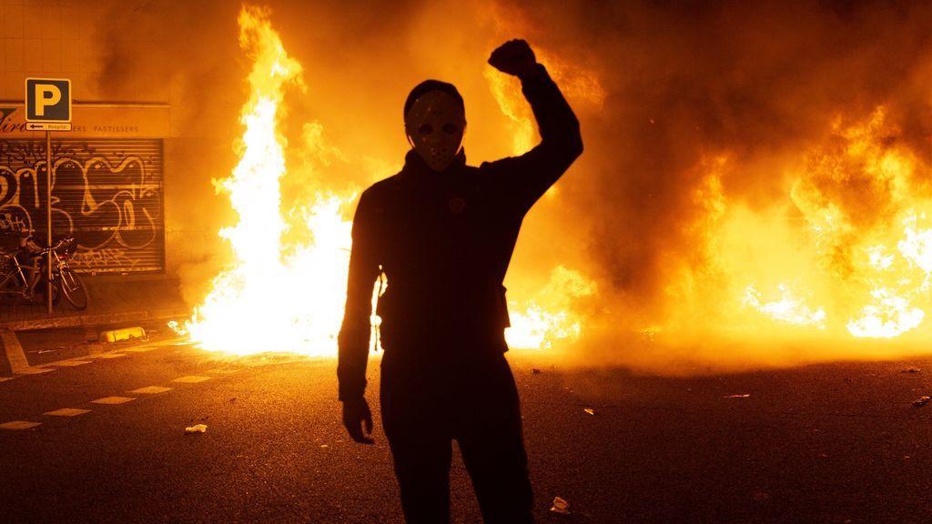 Barcelona arde por la furia de los independentistas 7TEjUPn4bM1qSlICHQyfO