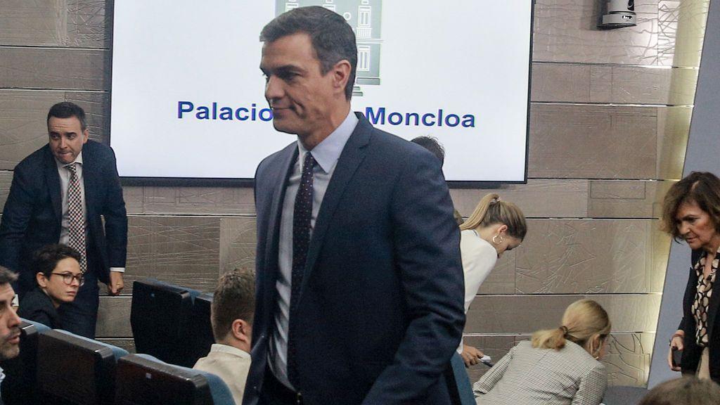 Sánchez convoca a Casado, Rivera e Iglesias en Moncloa por la situación en Cataluña