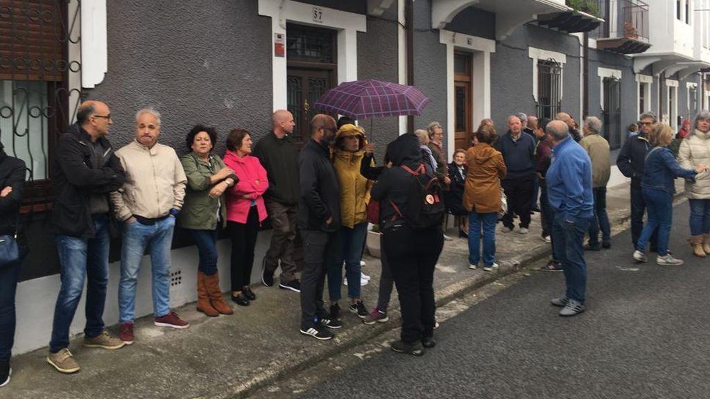 Vecinos protestan por la okupación