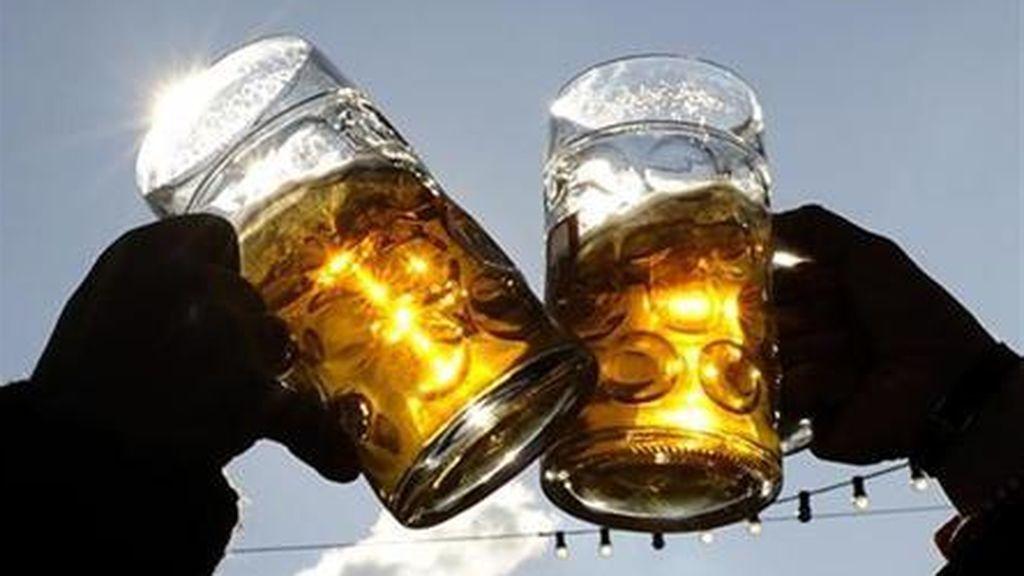 El abuso del alcohol  es más perjudicial para los mayores de 65 años que para los jóvenes