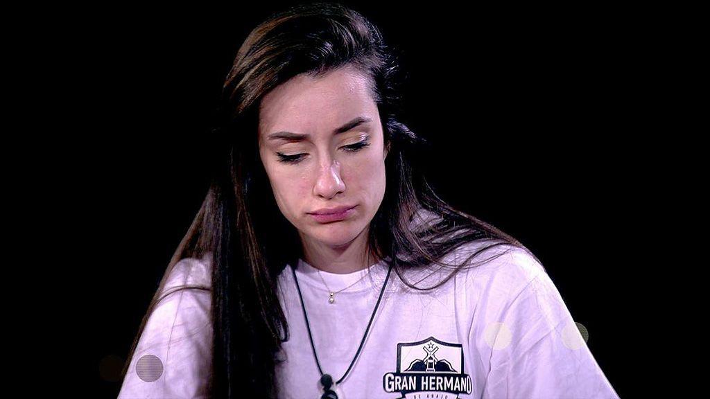 """Adara se confiesta ante las preguntas de Carlota Corredera: """"La situación es surrealista ¿Qué hago con mi ex y su pareja que ahora es mi amigo?"""""""
