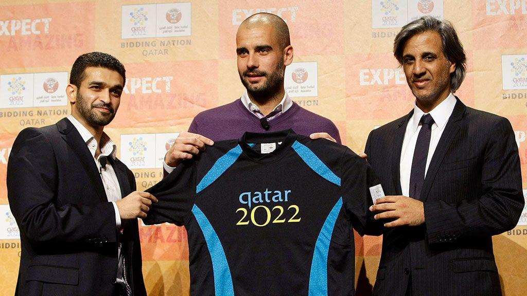 Pep Guardiola junto a Hassan Al-Thawadi y Sheik Hamad