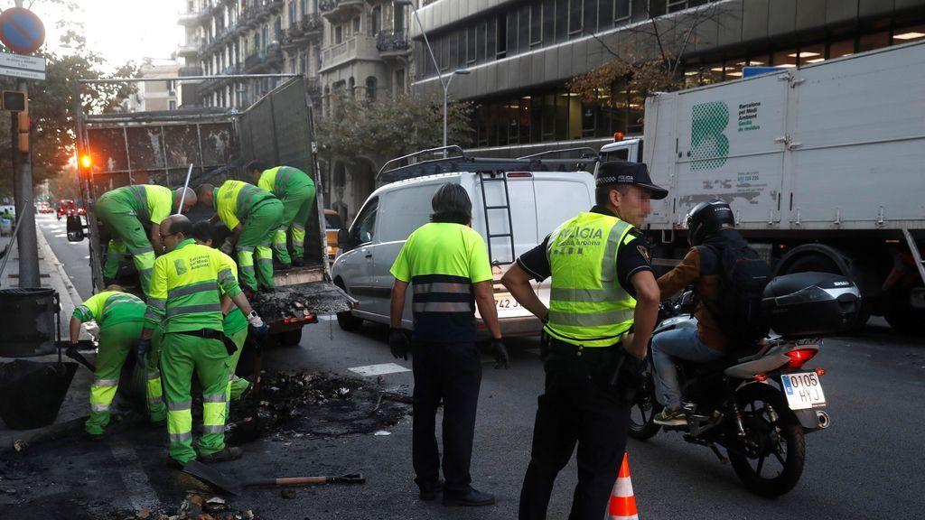 Limpiando las calles de Cataluña