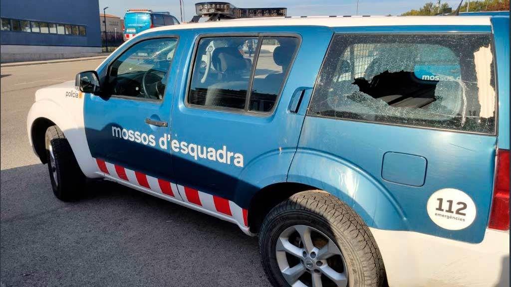 Así quedaron los coches de los Mossos tras las protestas en Cataluña