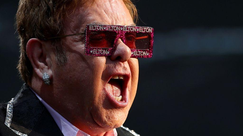 Elton John en su primera autobiografía