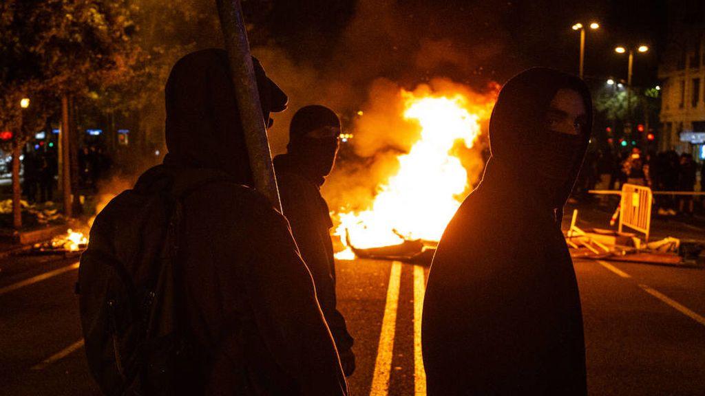 """Los violentos de las protestas: """"Son guerrillas urbanas que llevan meses preparándose"""""""