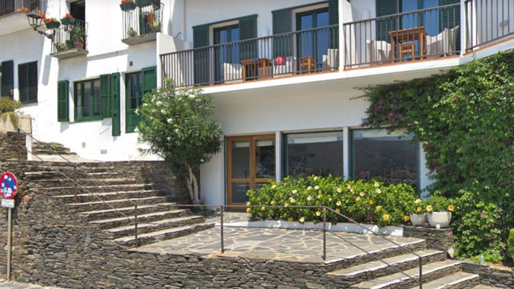 Hallan dos muertos por arma de fuego en una habitación de un hotel en Cadaqués