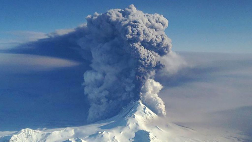 Un volcán sumergido en Alaska genera gigantescas burbujas explosivas de gas