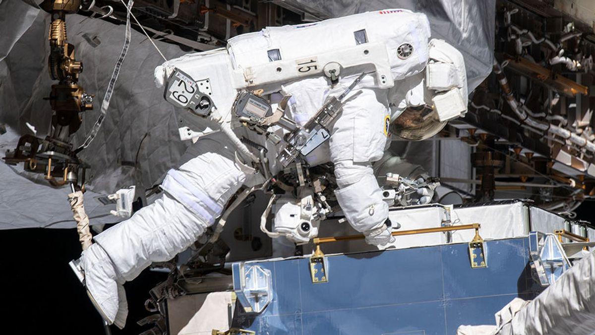 Dos mujeres caminan juntas por el espacio por primera vez en la Historia