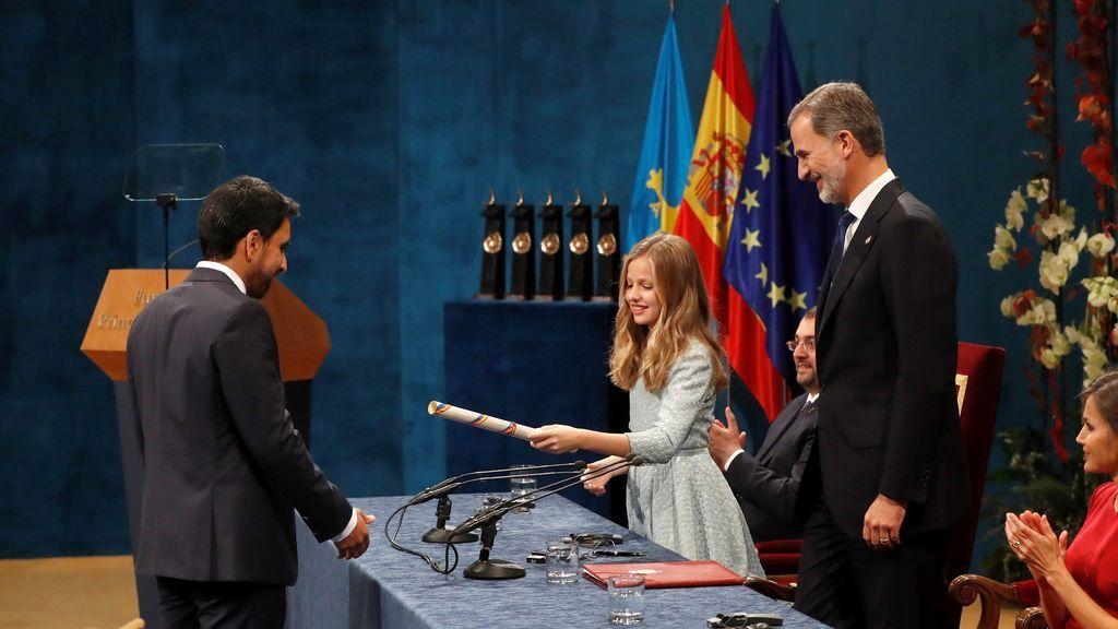 La princesa Leonor entrega el Premio Princesa de Asturias de Cooperación Internacional 2019 al matemático Salman Khan