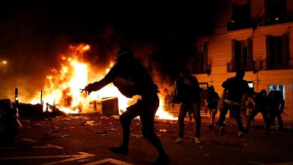 Cifras de los enfrentamientos en Cataluña: al menos 54 personas detenidas y 89 heridas