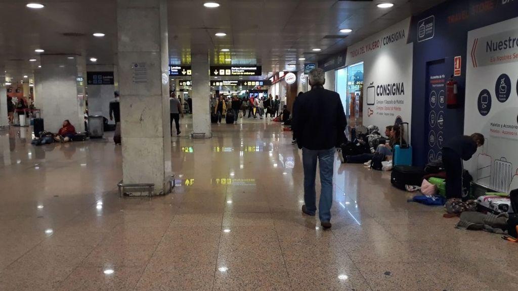 El Aeropuerto de El Prat durante la mañana de este sábado
