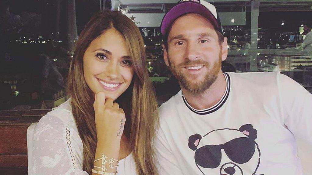 """Messi sorprende a Antonella Rocuzzo con una foto juntos de adolescentes: """"Los años pasan"""""""