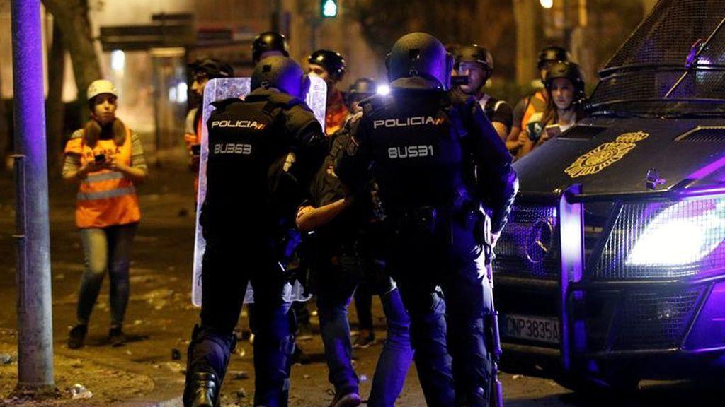 Queda en libertad el fotoperiodista de 'El País' detenido en Barcelona durante los disturbios