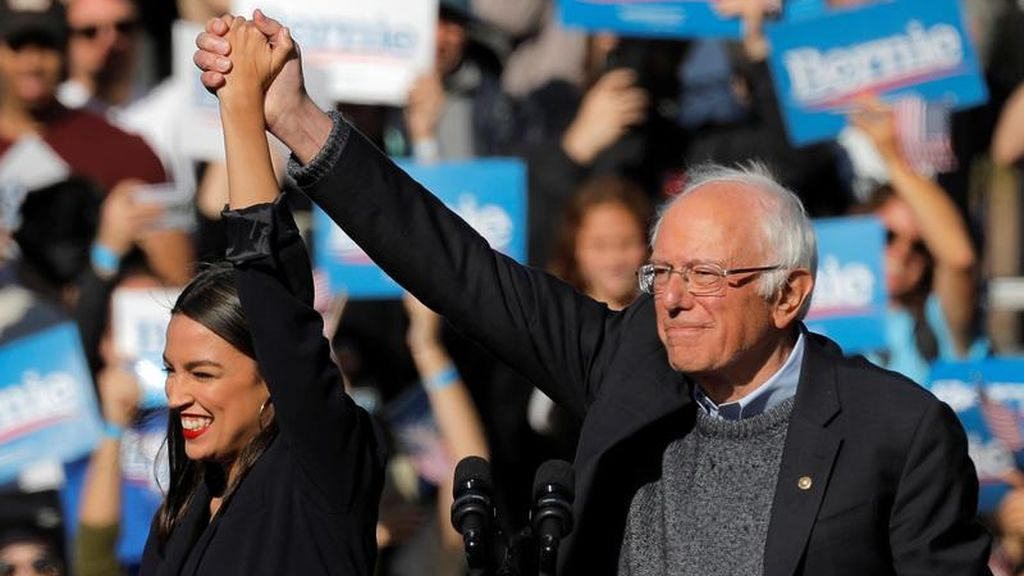 Sanders vuelve a hacer campaña después de sufrir un ataque cardíaco acompañado de Ocasio-Cortez