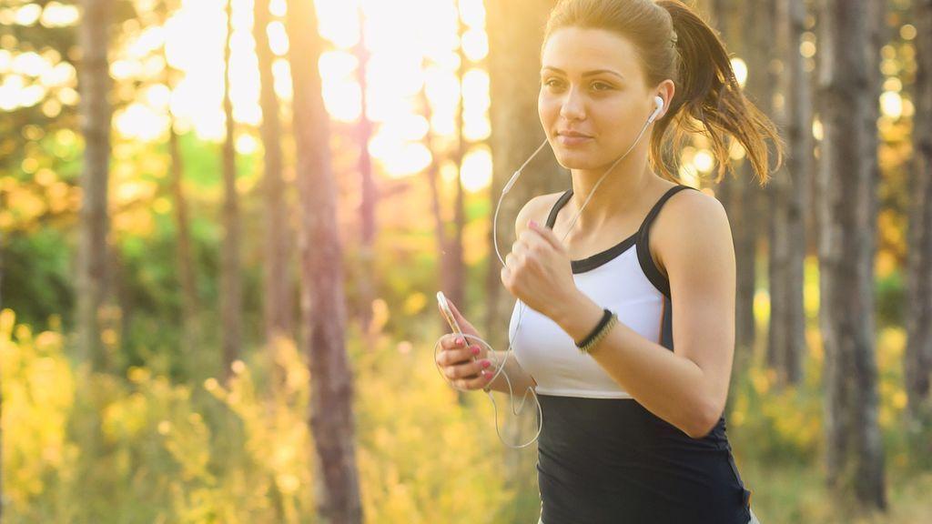 Realizar ejercicio en ayunas ayuda a quemar el doble de grasa que si se realiza después