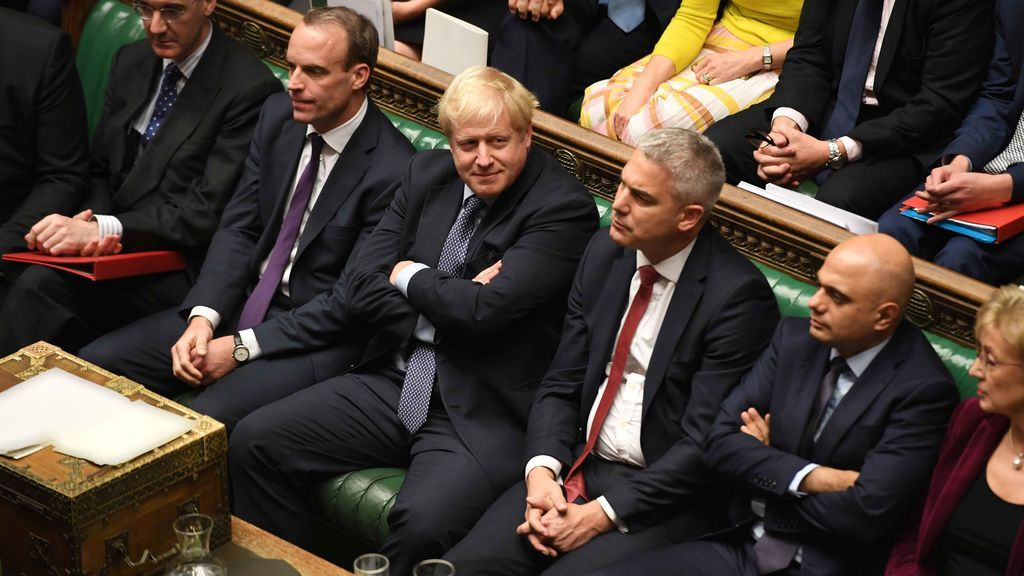Boris Johnson solicita una nueva prórroga a Bruselas de forma controvertida