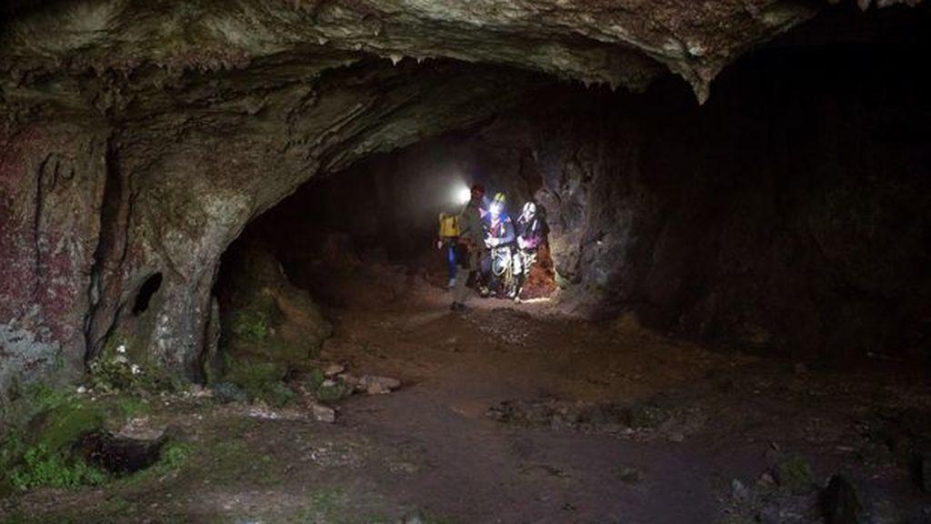 112 activa el operativo de rescate de 4 espeleólogos portugueses por el retraso en la salida de Conventosa