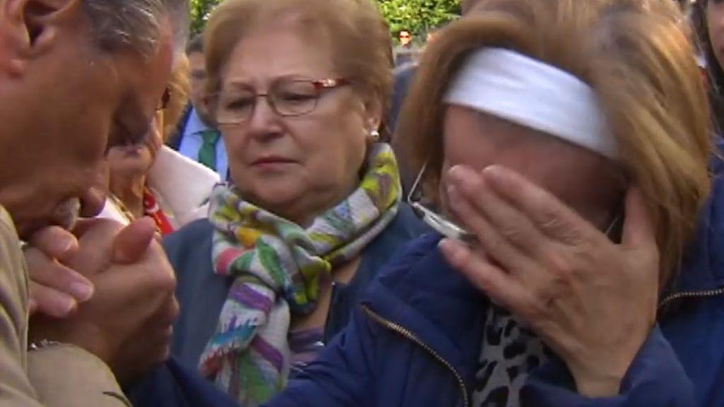 Vigo arropa a la madre del agente de la Policía Nacional herido grave en Barcelona
