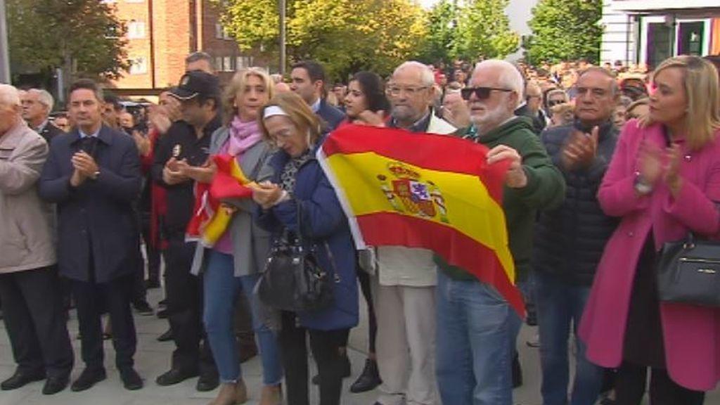 """""""Iban a matarlo"""", denuncian los compañeros del agente herido en Barcelona"""