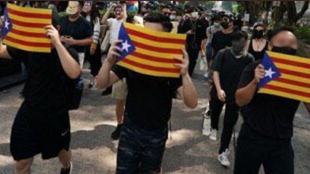 De locos: las protestas de Hong Kong apoyarán a los independentistas catalanes