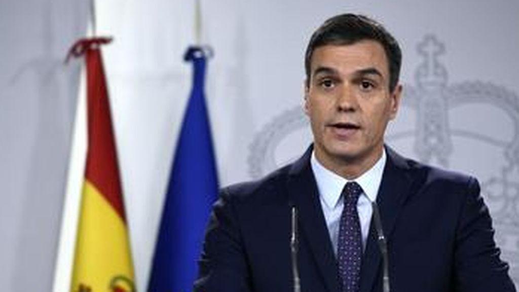 Claves de las últimas encuestas: El PSOE baja, el PP supera los 100 escaños y C's se hunde