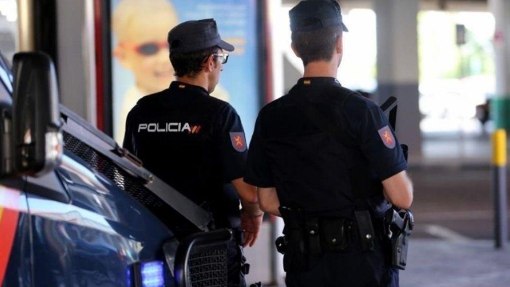 Detienen a un hombre  sospechoso de degollar a su exmujer en Denia delante de su hija de 11 años