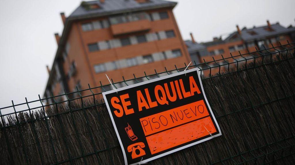 Fomento lanza un plan de pisos en alquiler cediendo el uso de suelos públicos a promotores y fondos