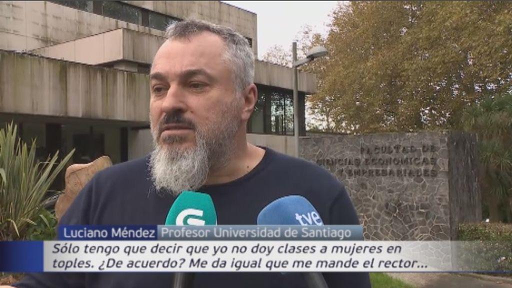 El profesor que defendió a La Manada sancionado de nuevo por comentar el escote de sus alumnas