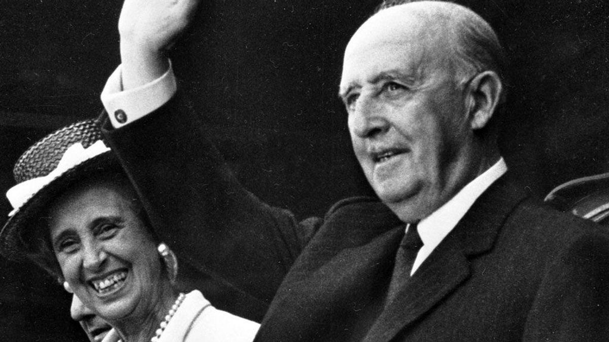 De cantar 'tiene el culo blanco' en secreto a los memes: así ha cambiado el humor con Franco