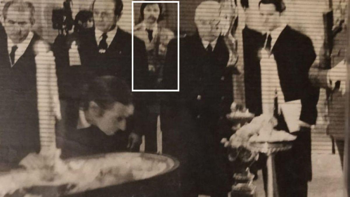 """Manuel Ovalle, reportero gráfico testigo del cierre del ataúd de Franco: """"Me tuve que poner mi traje de novio y me sudaban las manos de la responsabilidad"""":"""