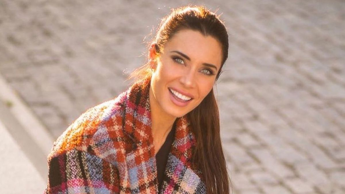 """Pilar rubio rescata la manicura con media luna ochentera y divide a sus fans: """"Es el estilo que más me gusta"""""""
