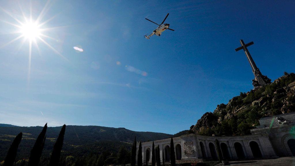 Los restos de Franco salen del Valle