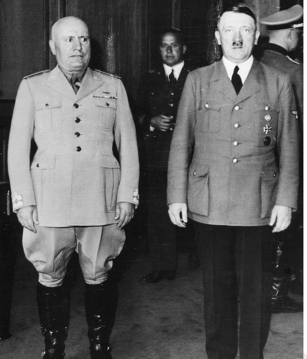 Mussolini y Hitler, en una de sus reuniones