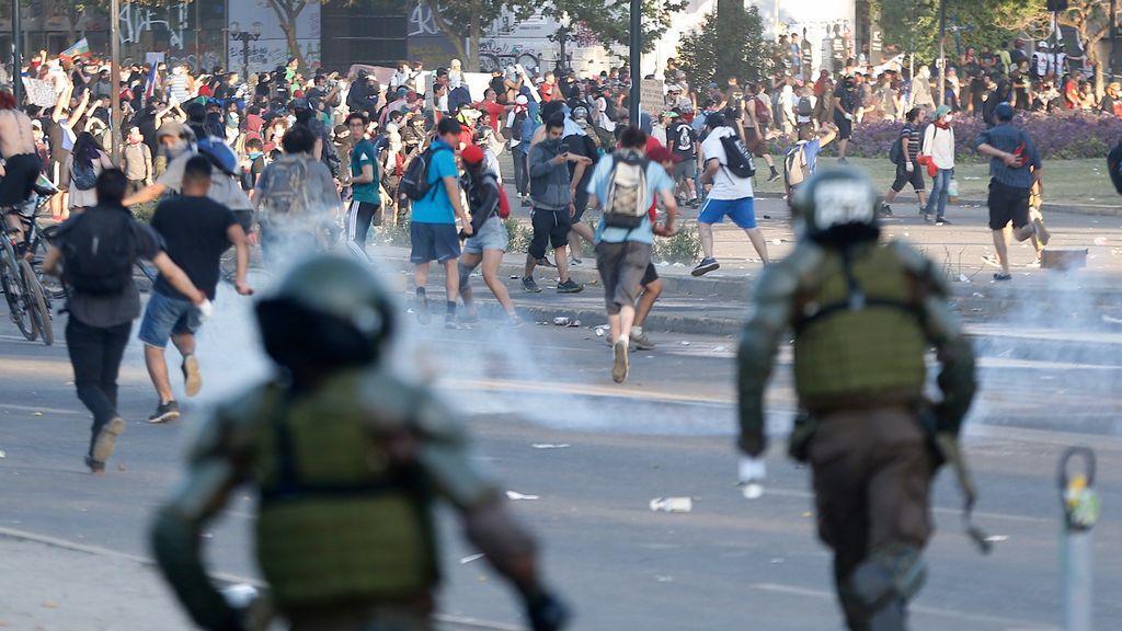 Ascienden a 19 personas las fallecidas en las protestas de Chile
