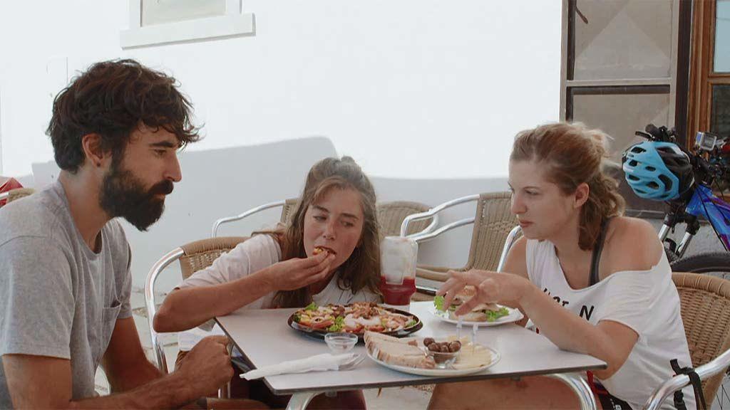 """Ona prefiere comer con las manos: """"Los cubiertos metálicos romper la conexión entre tú y el alimento"""""""