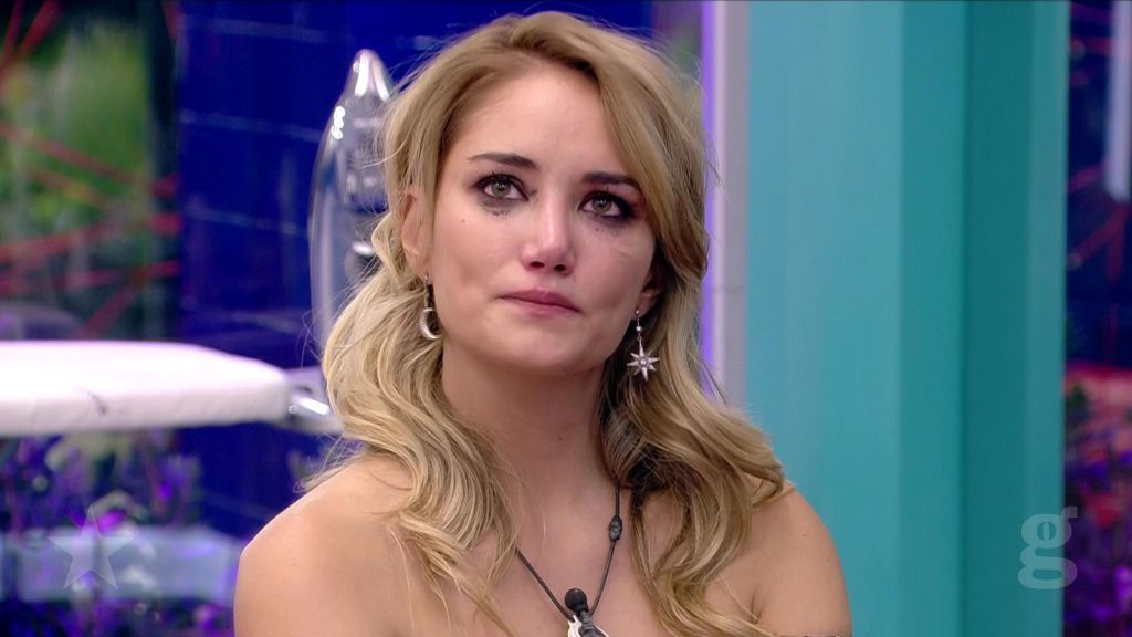 Alba no pide perdón, pero sigue en el concurso