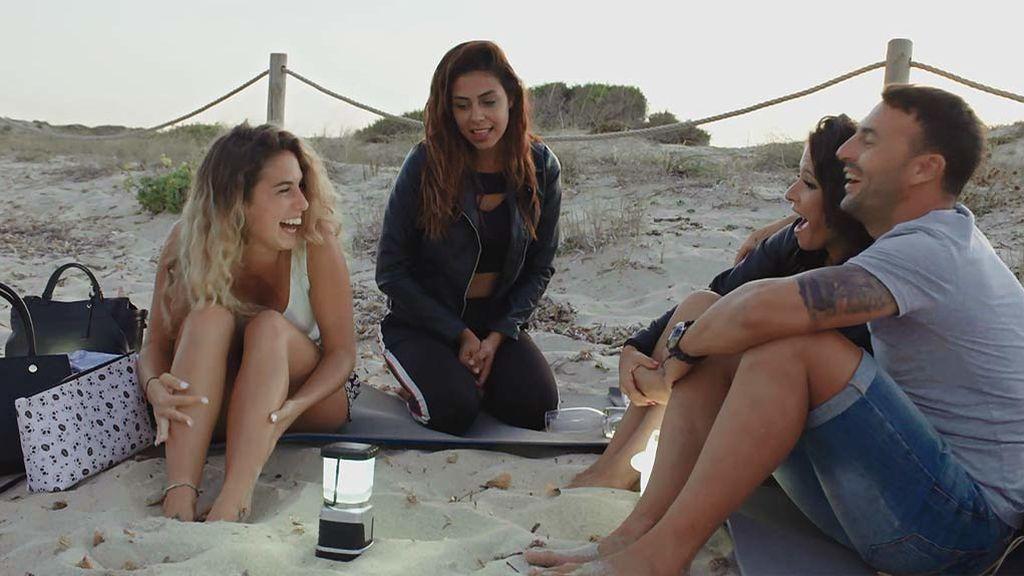 """Los mosquitos arruinan la noche romántica de Javi y sus chicas: """"¡Vaya aventurero!"""""""