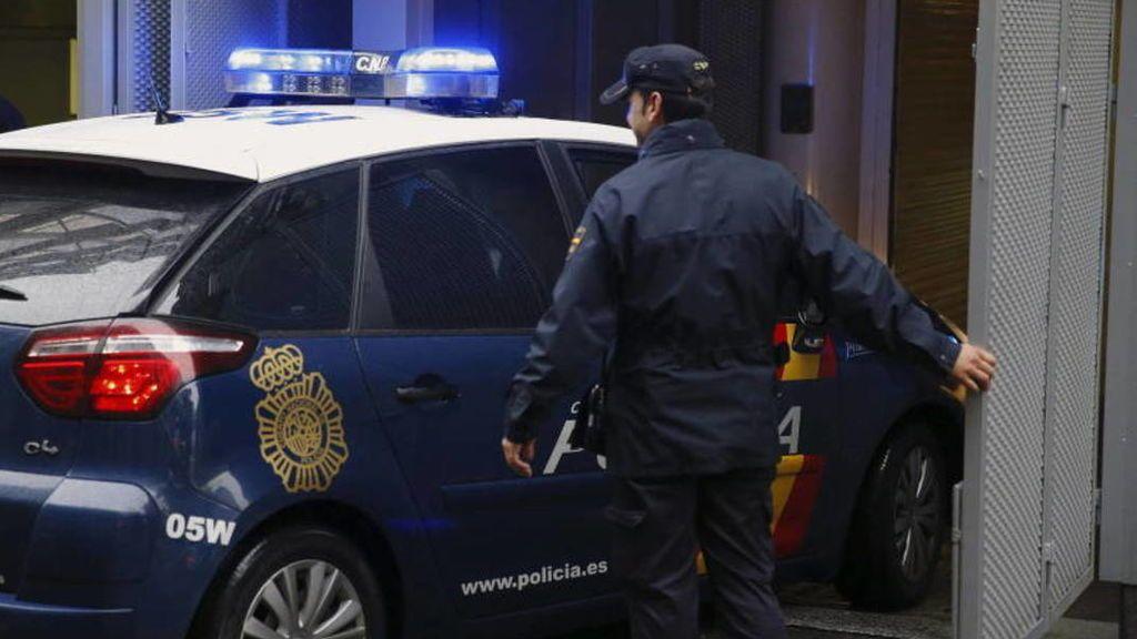 Agreden a un padre y su hijo en Málaga con un bate de béisbol y un arma blanca