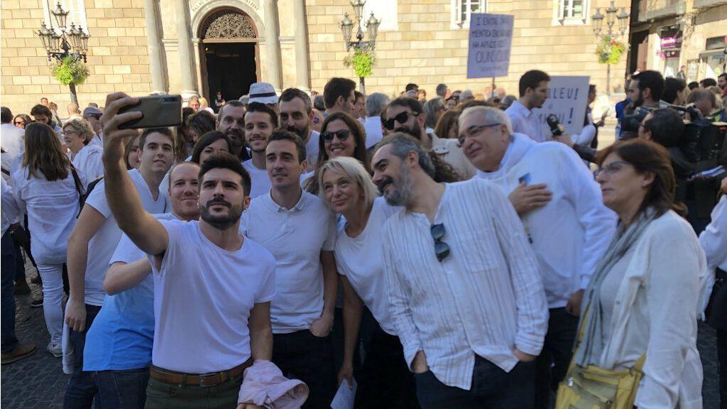 """Malestar en la concentración de Parlem Hablemos por la """"apropiación electoral"""" de Más País"""